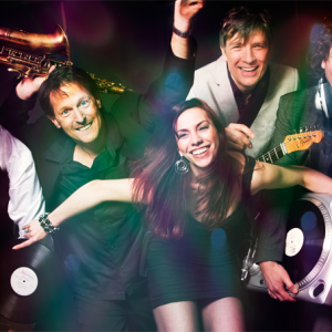 Band met DJ: The Dance Doctors